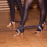Taneční nožky svázané gumou :-)